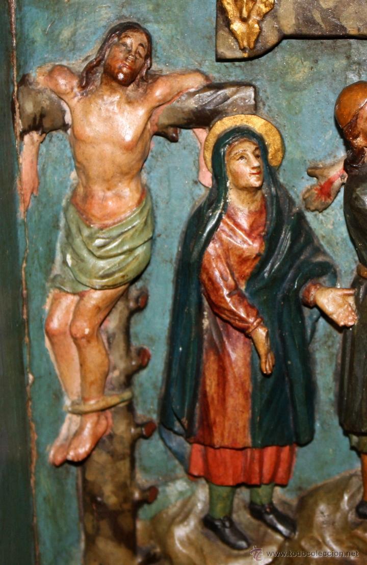 Arte: LA CRUCIFICCIÓN DE JESÚS. GRAN URNA TIPO CAPILLA DEL SIGLO XVIII EN MADERA TALLADA Y POLICROMADA - Foto 3 - 50388694