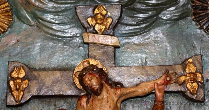 Arte: LA CRUCIFICCIÓN DE JESÚS. GRAN URNA TIPO CAPILLA DEL SIGLO XVIII EN MADERA TALLADA Y POLICROMADA - Foto 5 - 50388694