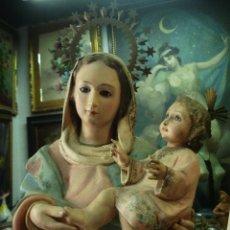 Arte: EXCELENTE VIRGEN INMACULADA CON NIÑO JESÚS SXIX MANTO CON FLORES Y DOBLE PEANA CORONAS DE LATÓN. Lote 50500084