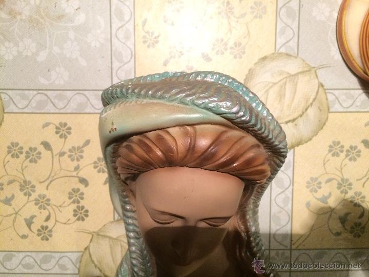 Arte: Antigua Virgen Maria con niño Jesus en yeso para colgar en el cabezal de cama años 50-60 - Foto 5 - 52753569