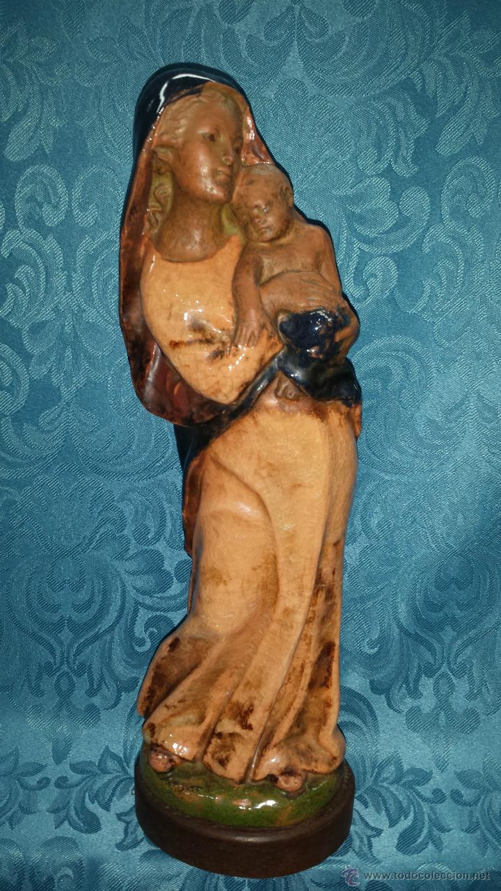 VIRGEN CERÁMICA VIDRIADA CON NIÑO EN BRAZOS (Arte - Arte Religioso - Escultura)