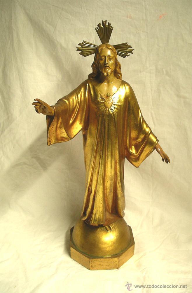 SAGRADO CORAZÓN ESCUELA OLOT AÑOS 50, POLICROMIA ORO FINO, PEANA MADERA. MED 44 CM (Arte - Arte Religioso - Escultura)