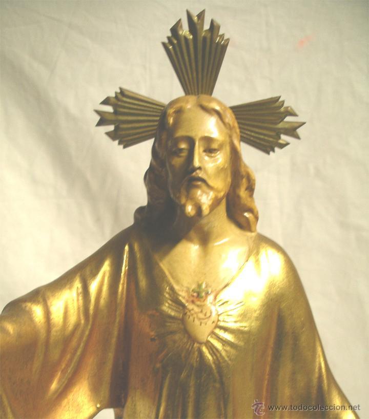 Arte: Sagrado Corazón escuela Olot años 50, policromia oro fino, peana madera. Med 44 cm - Foto 2 - 53149582