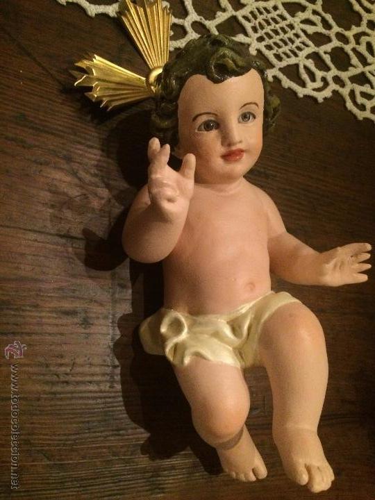 ANTIGUO NIÑO JESUS DE ESCAYOLA CON OJOS DE CRISTAL , DE LOS AÑOS 40-50 FABRICADO EN OLOT (Arte - Arte Religioso - Escultura)