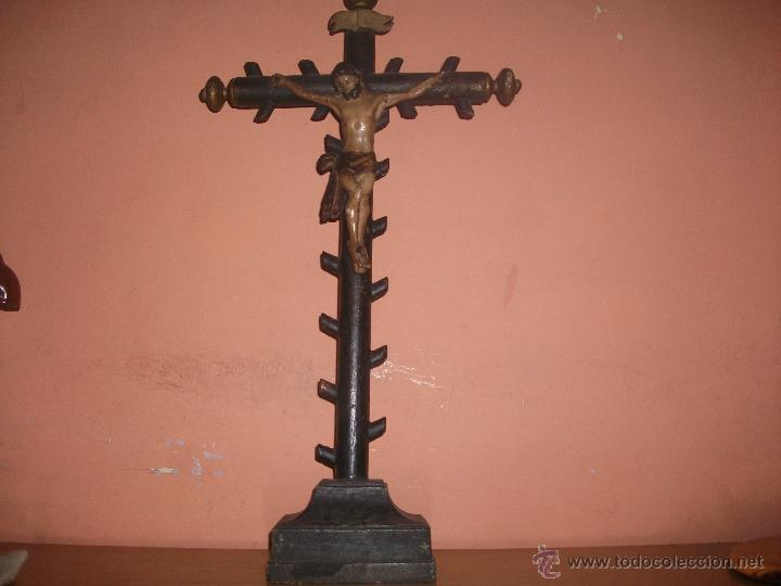 CRISTO EN TALLA DE MADERA S.XIX (Arte - Arte Religioso - Escultura)