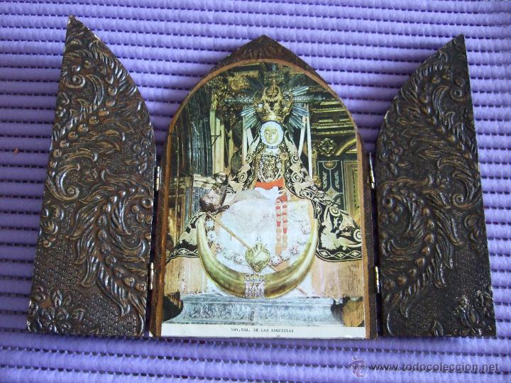 TRIPTICO DE MADERA EN FORMA DE CAPILLA - NUESTRA SEÑORA DE LAS ANGUSTIAS - 17X11,5 (Arte - Arte Religioso - Trípticos)