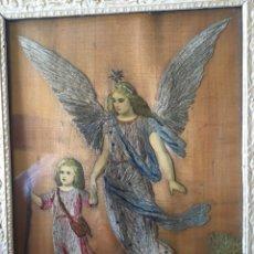 Arte: CUADRO RELIGIOSO ANGEL DE LA GUARDA BORDADO SOBRE MADERA 1880. Lote 87146848