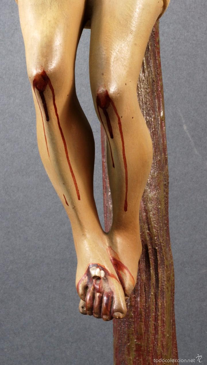 Arte: Crucifijo Cristo cruz Olot estuco policromado cruz madera Mediados S XX - Foto 4 - 166528865