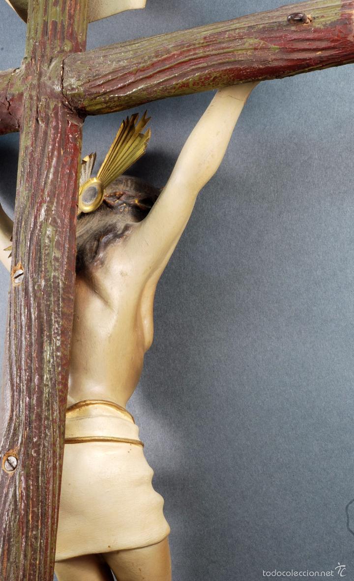 Arte: Crucifijo Cristo cruz Olot estuco policromado cruz madera Mediados S XX - Foto 6 - 166528865