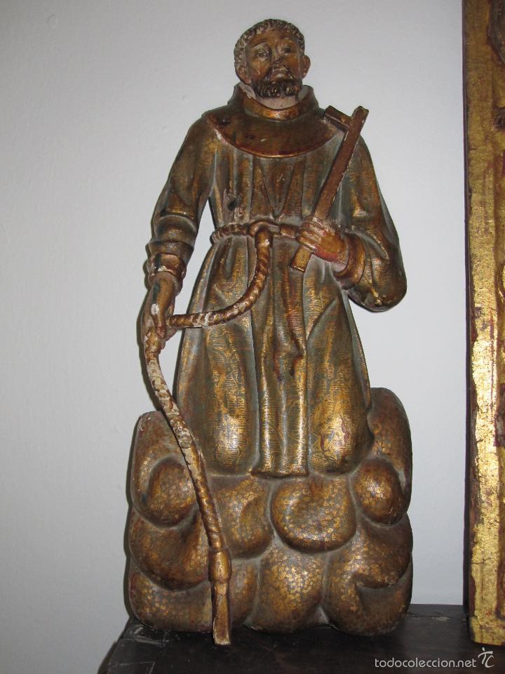 SAN FRANCISCO. RELIEVE TALLADO Y POLICROMADO DEL S. XVII. 43 CENTIMETROS DE ALTO X 19 DE ANCHO (Arte - Arte Religioso - Escultura)