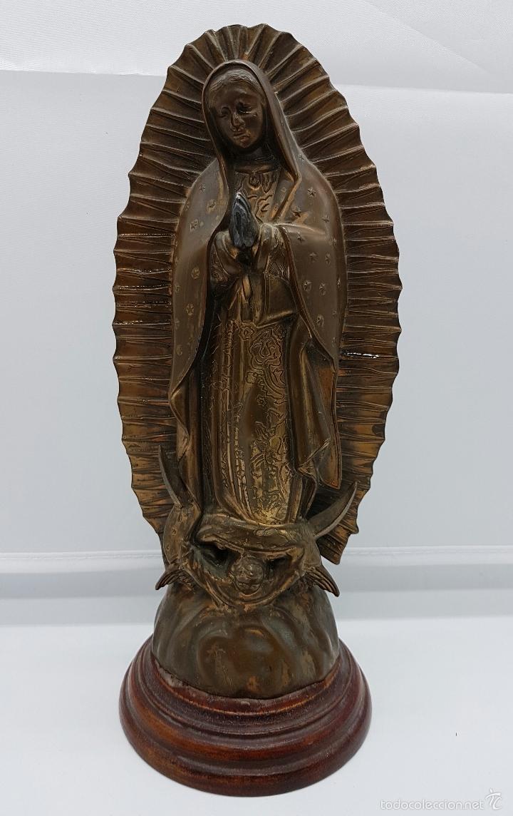 Arte: Antigua imagen de la virgen María en metal sobre peana de madera . - Foto 6 - 63410924