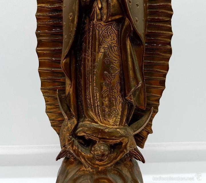 Arte: Antigua imagen de la virgen María en metal sobre peana de madera . - Foto 8 - 63410924