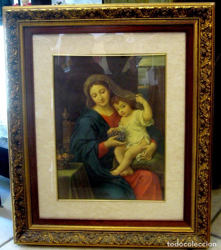 GRAN CUADRO CON ANTIGUO GRABADO DE LA VIRGEN CON NIÑO - MARCO DE MADERA EN PAN DE ORO (Arte - Arte Religioso - Grabados)