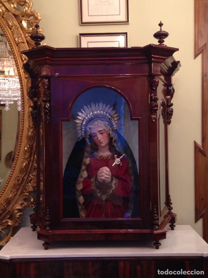 Arte: Virgen dolorosa del siglo XVIII, talla de madera, con urna-capilla - Foto 2 - 72739185