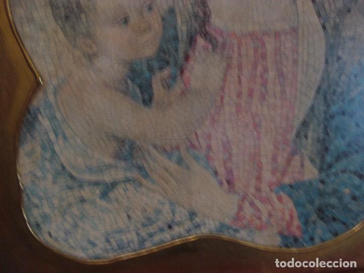 Arte: precioso cuadro en madera virgen con niño . simula mosaico . doradoen fondo ? y borde 50/50/1cm - Foto 5 - 75793079