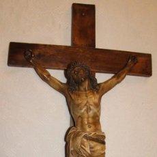 ANTIGUO CRISTO DE OLOT. TALLER EL ARTE CRISTIANO. CRUCIFIJO. OJOS DE CRISTAL. JESUCRISTO CRUZ