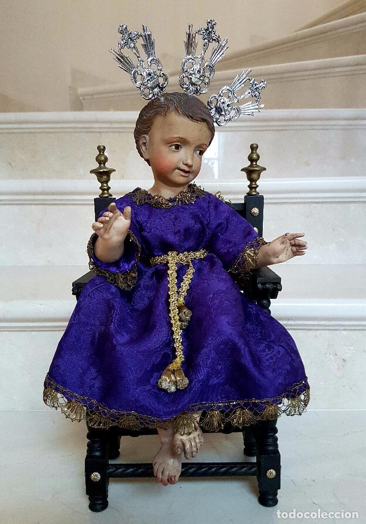 EXCEPCIONAL NIÑO JESUS EN TALLA DE MADERA ENTRONIZADO,S.XIX (Arte - Arte Religioso - Escultura)