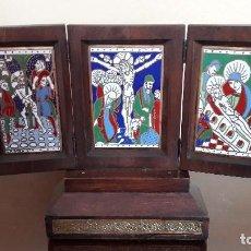 Arte: MARAVILLOSO TRÍPTICO DE ESMALTES, MADERA NOBLE Y PLATA. Lote 84415872