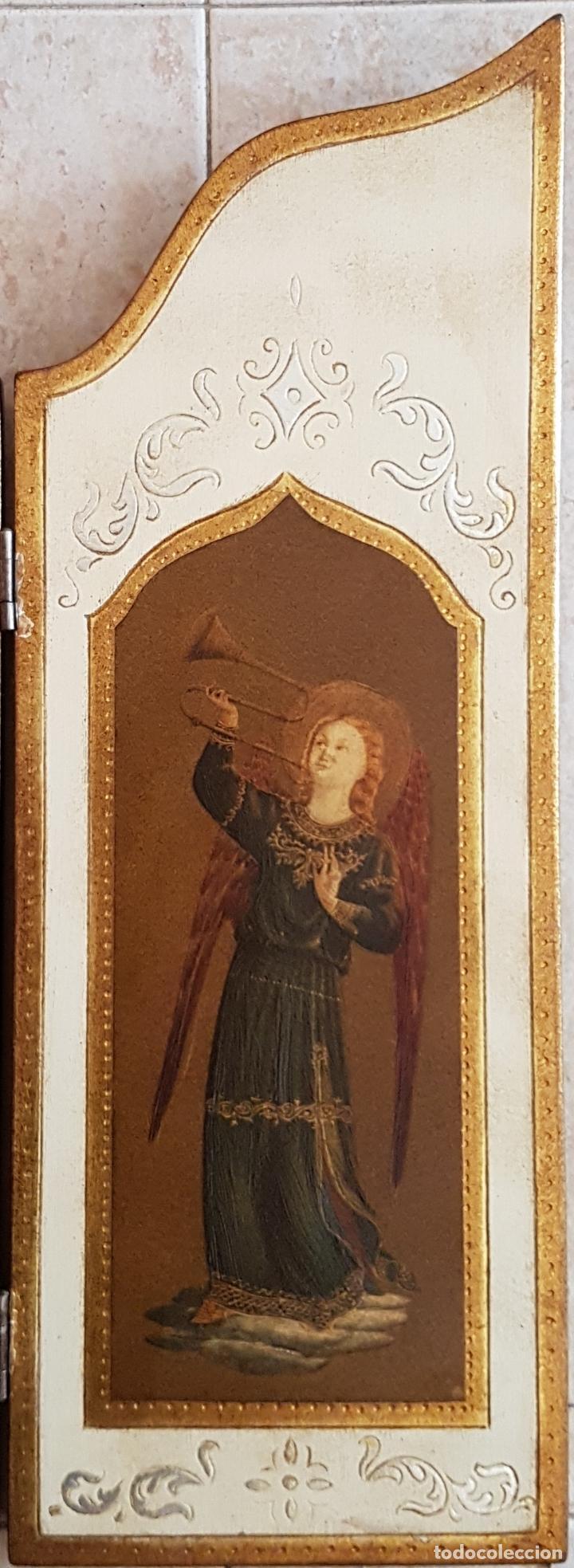 Arte: Bello tríptico antiguo con litigrafías religiosas en madera con acabados en estuco y oro . - Foto 4 - 132801302