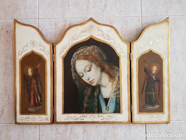 Arte: Bello tríptico antiguo con litigrafías religiosas en madera con acabados en estuco y oro . - Foto 6 - 132801302