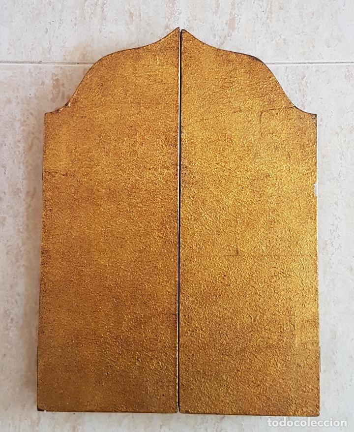 Arte: Bello tríptico antiguo con litigrafías religiosas en madera con acabados en estuco y oro . - Foto 8 - 132801302
