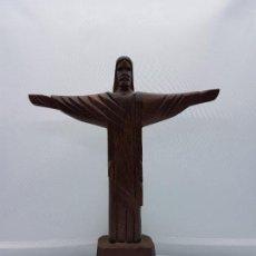Arte: ESCULTURA ANTIGUA TALLADA A MANO EN MADERA DE CRISTO REDENTOR EN RIO DE JANEIRO.. Lote 95523286