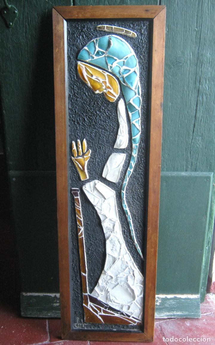 96 CM - TECNICA MIXTA COLLAGE CON VIDRIOS TIPO VIDRIERA - FIRMADO - VIRGEN MARIA (Arte - Arte Religioso - Pintura Religiosa - Otros)