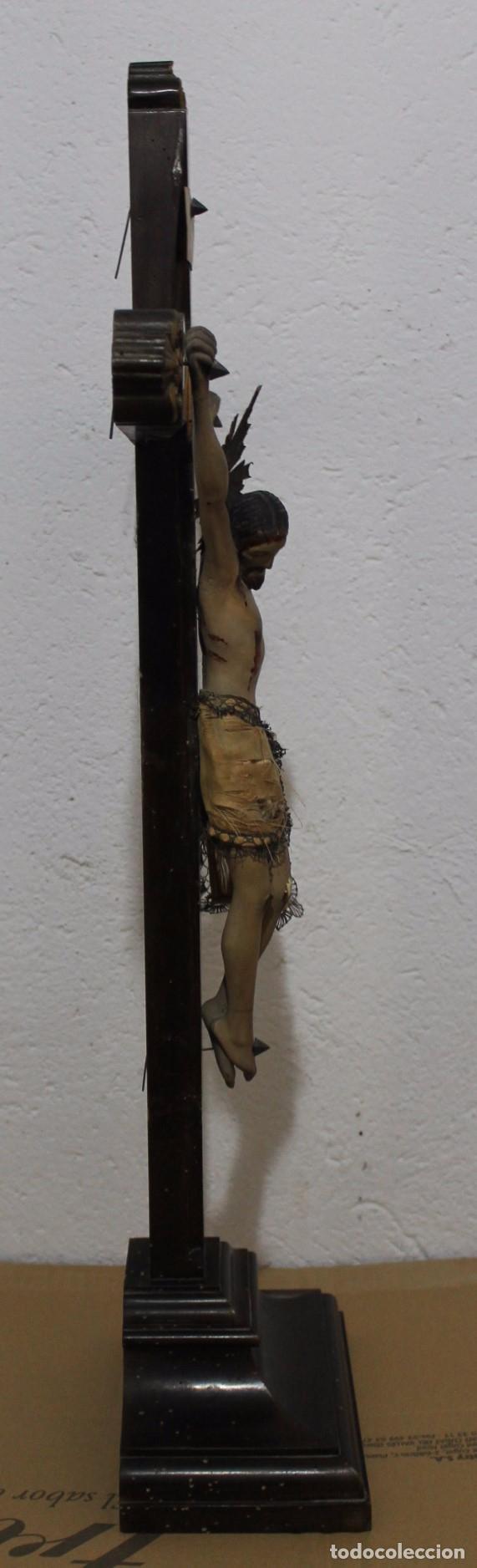 Arte: CRISTO ISABELINO EN TALLA DE MADERA POLICROMADA - CRUZ CON REMATES DORADOS - SIGLO XIX - Foto 20 - 180910910