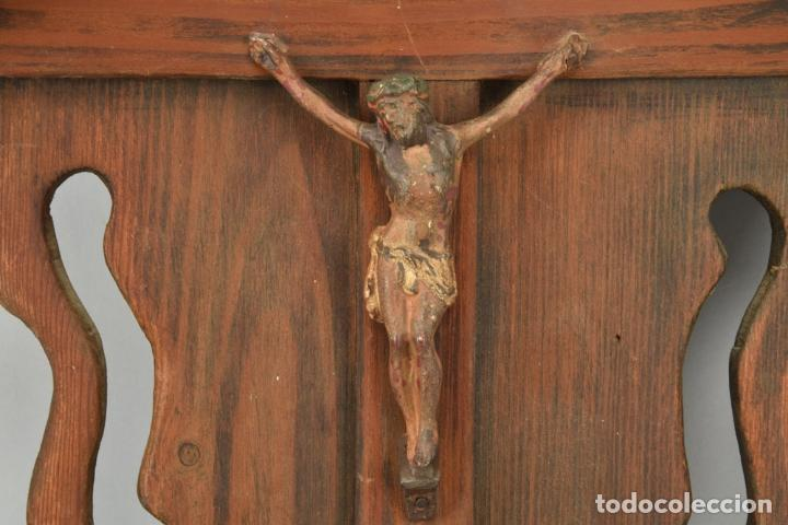 Arte: antigua capilla madera tallada art deco año1928 medidas 51x31x7 cm figuras porcelana 152,00 € - Foto 3 - 87403332