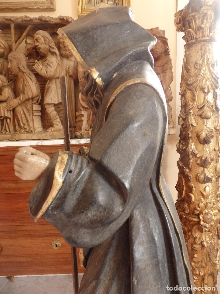 Arte: San Francisco de Paula. Escultura en madera tallada de la escuela andaluza. 84 cm. S. XVIII. - Foto 6 - 182109498