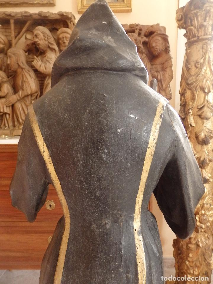 Arte: San Francisco de Paula. Escultura en madera tallada de la escuela andaluza. 84 cm. S. XVIII. - Foto 9 - 182109498