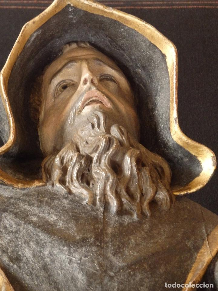 Arte: San Francisco de Paula. Escultura en madera tallada de la escuela andaluza. 84 cm. S. XVIII. - Foto 21 - 182109498