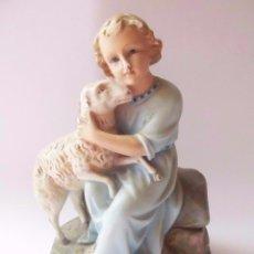 Arte: IMAGEN DEL NIÑO JESÚS CON CORDERO REALIZADA EN PASTA CARTÓN MADERA, CON OJOS DE CRISTAL . Lote 93481395