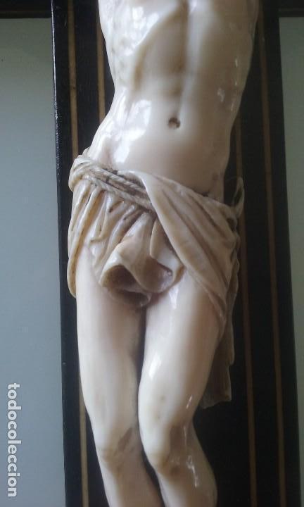 Arte: CRUCIFIJO MADERA Y MARQUETERIA, Y CRISTO EN MARFIL 16 CM PIES A CABEZA - Foto 4 - 95368507