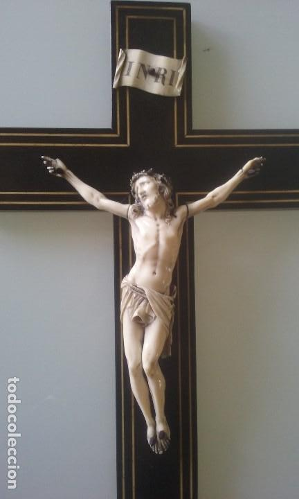 Arte: CRUCIFIJO MADERA Y MARQUETERIA, Y CRISTO EN MARFIL 16 CM PIES A CABEZA - Foto 6 - 95368507