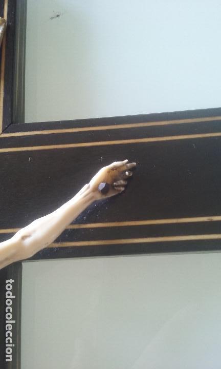 Arte: CRUCIFIJO MADERA Y MARQUETERIA, Y CRISTO EN MARFIL 16 CM PIES A CABEZA - Foto 10 - 95368507