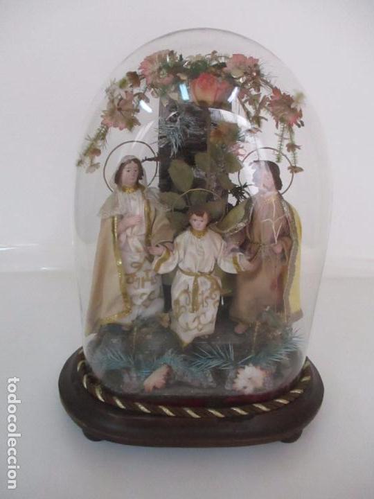 SAGRADA FAMILIA - CAP Y POTA - ISABELINA - TERRACOTA - EN URNA, FANAL DE CRISTAL - S. XIX (Arte - Arte Religioso - Escultura)