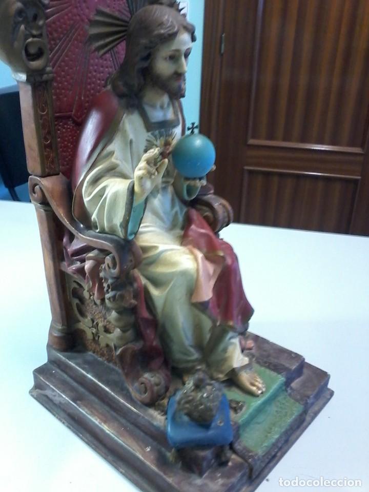 ANTIGUA FIGURA SAGRADO CORAZON ENTRONIZADO OLOT ARTE CRISTIANO (Arte - Arte Religioso - Escultura)