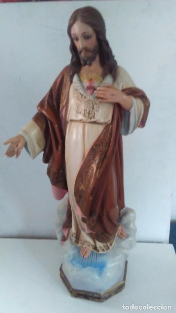 FIGURA DEL SAGRADO CORAZÓN DE JESÚS DE OLOT. R.HOSTENCH QUINTANA.CON SELLO EN LA PARTE TRASERA. 66CM (Arte - Arte Religioso - Escultura)