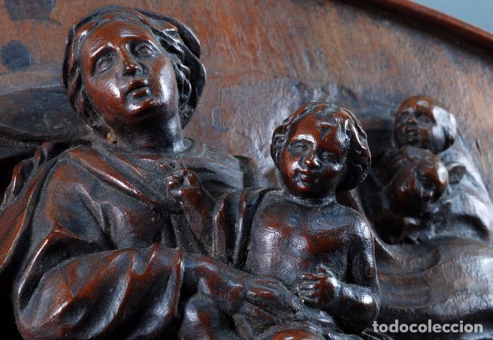 Arte: Alto relieve Virgen con niño y angeles madera tallada escuela italiana siglo XVII - Foto 3 - 101545243