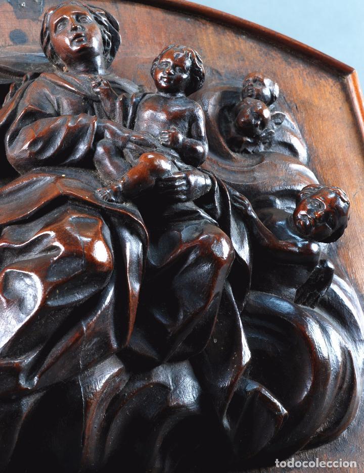 Arte: Alto relieve Virgen con niño y angeles madera tallada escuela italiana siglo XVII - Foto 5 - 101545243