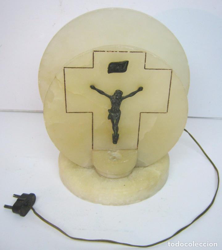 Arte: antigua bella y original lampara religiosa de alabastro con Cristo - Altar benditera - Foto 2 - 102462679