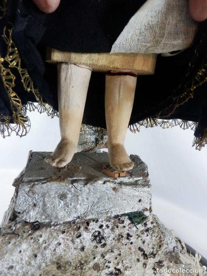 Arte: Excelente cap i pota, talla Virgen de los Dolores, Dolorosa, con fanal s XIX - Foto 15 - 103267343
