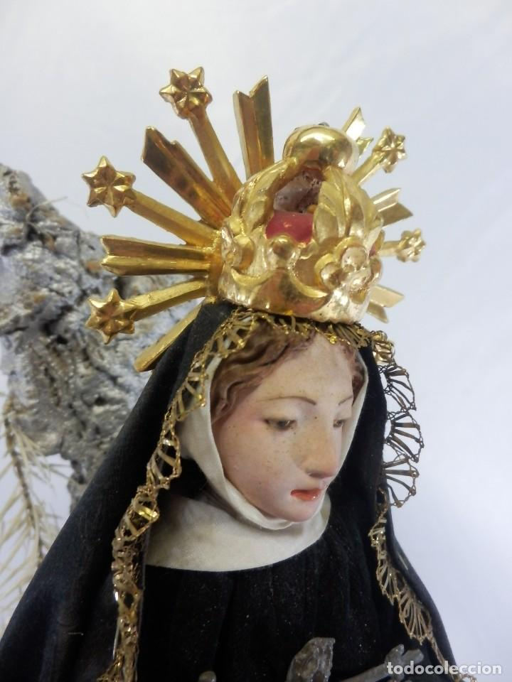 Arte: Excelente cap i pota, talla Virgen de los Dolores, Dolorosa, con fanal s XIX - Foto 17 - 103267343