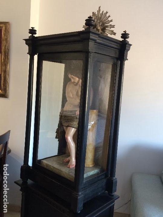 Arte: Cristo. Talla en madera del siglo XIX en urna - Foto 2 - 106009883