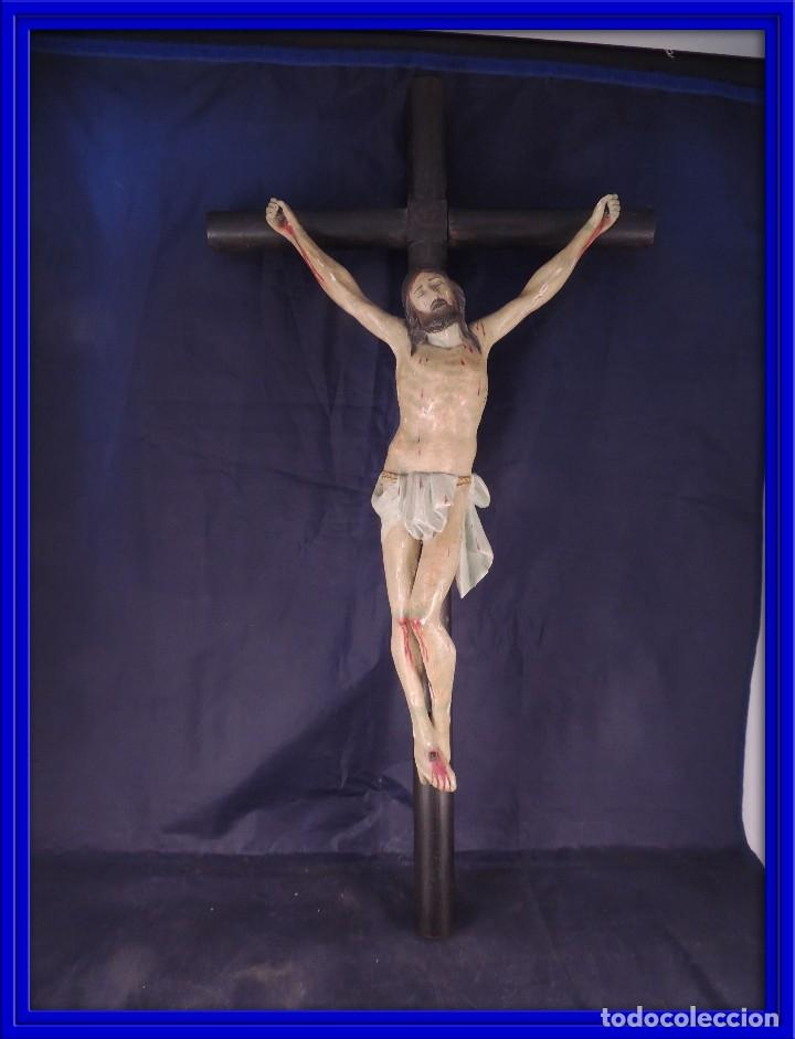 CRISTO EN LA CRUZ TALLA MADERA ESTUCADA Y POLICROMADA S. XIX (Arte - Arte Religioso - Escultura)