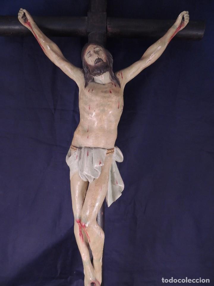 Arte: CRISTO EN LA CRUZ TALLA MADERA ESTUCADA Y POLICROMADA S. XIX - Foto 2 - 106021443