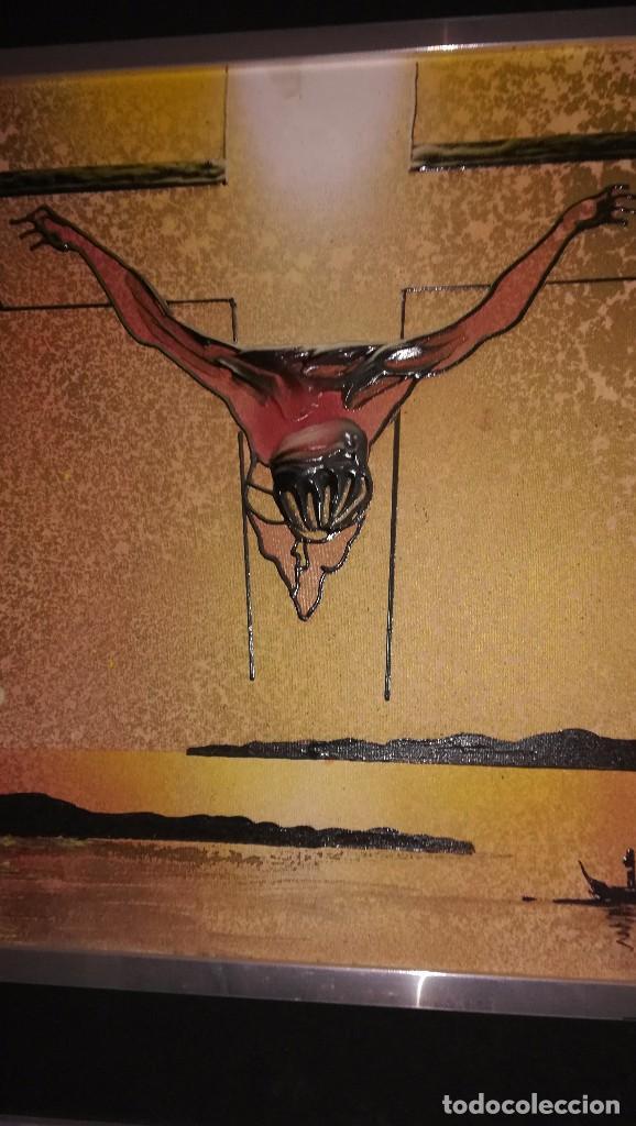 Arte: Cuadro Jesucristo crucificado con relieves. Acrílico y otros materiales. Firma: Ezgar - Foto 3 - 108309931