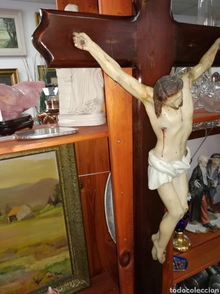 Arte: Antiguo crucifijo en madera policromado siglo XIX - Foto 5 - 109371596