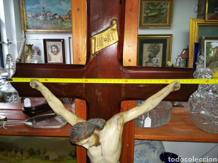 Arte: Antiguo crucifijo en madera policromado siglo XIX - Foto 9 - 109371596